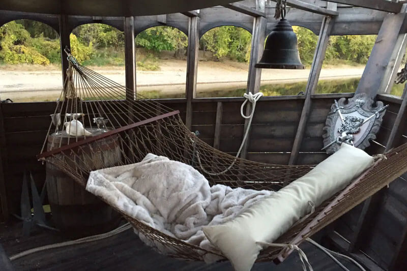 Pirate Ship On The Mississippi With Airbnb5